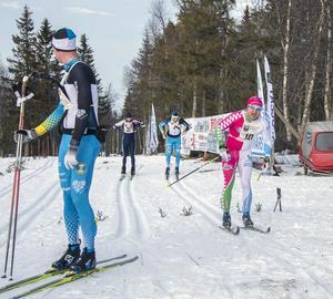 Emil Persson hade en dryg halvminuts segermarginal och kunde nöjt titta på när Robin Bryntesson och Patrik Tallbom gjorde upp om de andra pallplatserna.
