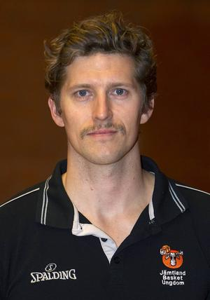 Dennis Cooper, coach för Östersund Basket.