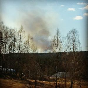Även från Danholn syntes röken.