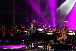 Salem Al Fakir tillsammans med Gävle symfoniorkester.           Foto: Kerstin Monk
