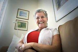 Lena Blomqvist i Bollnäs vill upplysa andra kvinnor om att all cancer inte syns vid mammografi, men också om att ett cancerbesked inte behöver innebära jordens undergång.