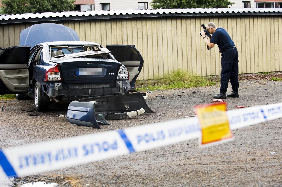 Annu en bil sprangd i borlange