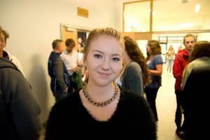 Julia Höglund har nästan bestämt sig vad hon ska rösta på. Hon fick en lite klarare bild av tisdagens debatt.
