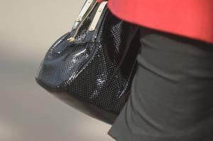 Handväska eller potentiellt tillhygge mot nazister?