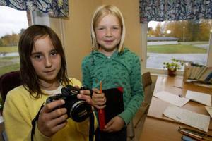 Evelyn och Johanna har fått en bra start på journalistkarriären.