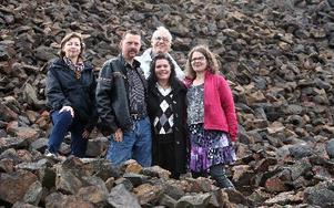 Gunilla hedenblad, antikvarie på Falu gruva, Jan Sjöström, jadeslipare, Maria Alqvist, smyckesdesigner, Leif Löfberg, bergsingenjör och Anna-Lena Grusell, besöksservicechef, är några av de som är engagerade i geologins dag vid Falu Gruva lördag den elfte