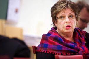 Inom landstingspolitiken, där Harriet Jorderud (S)  är vice ordförande i landstingsstyrelsen, är könsfördelningen jämn. 52 procent är män och 48 procent är kvinnor.   Foto: Håkan Luthman