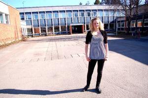 """Malin Axelsson, 17, är ny ordförande i SSU i Strömsunds kommun. """"Det är intressant med politik"""", säger hon. Foto: Jonas Ottosson"""