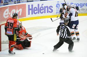 Per Svartvadet lyckades inte täppa igen när Daniel Brodin bröt in och gjorde sitt andra mål och 3-2 för Djurgården.