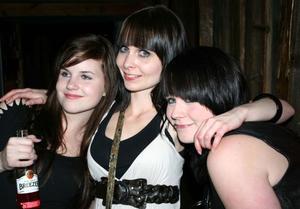 Konrad. Cassandra, Sanna och Katja