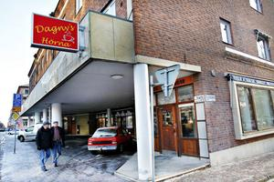 """Sparven har blivit Dagnys hörna. """"Dagny kändes som ett typiskt svenskt 50-talsnamn"""", säger Sara Hedström om valet av namn på kaféet. Och så ligger det på hörnan."""