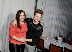 Förhållandet mellan Robin Stjernberg och Molly Pettersson Hammar är över.