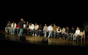 Är de frivilliga på scenen medvetna om vad de gör? ST:s recensent låter sig inte övertygas bortom varje tvivel av hypnotisören Sailech.