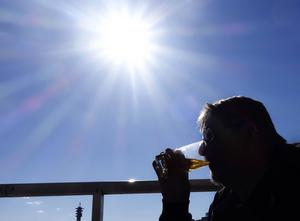 Det kommer inte att, som en del tror, leda till ökat alkoholmissbruk, skriver debattörerna som vill att det ska bli lättare att bedriva småskalig dryckesproduktion i Sverige.