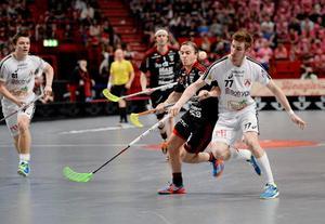 Tobias Gustafsson (till höger) och Linköping får spela SM-final nästa helg. Arkivbild.