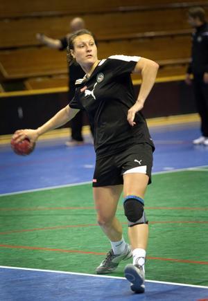 Behovet av en storskytt är stort i ÖSK, och Anastasia Krasnova kan vara precis den spelare som klubben så väl behöver.