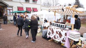 Klockargårdens anordnade påskmarknad för första gången på långfredagen.