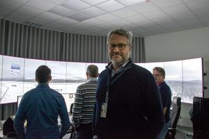 Erik Bäckman och hans medarbetare på RTC Sundsvall har genom åren tagit emot mängder med besökare som velat se det världsunika flygledningssystemet.