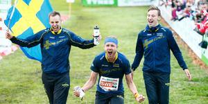 Efter en makalös vändning kunde Sverige enkelt springa hem guldet i stafetten. Foto: TT.
