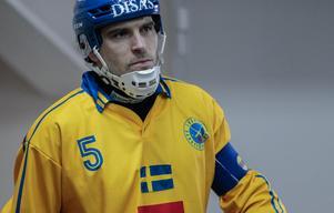 Andreas Westh, kapten i landslaget gjorde sin sista landskamp i VM-finalen. Bild: Rikard Bäckman / Bandypuls.se / TT