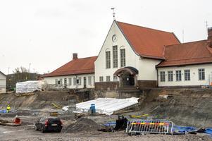Vintern 2020 bjuder hittills arbetarna till det nya resecentret en snöfri arbetsplats vid järnvägsstationen.