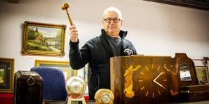 Lennart Holm hoppas kunna ta över en del av marknaden efter att Brolins auktionskammare stängt butiken.