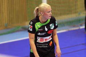 Emma Carlsson lämnade nyligen Skånela IF. Blir det en comeback i Rimbotröjan för kantspelaren?