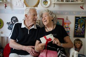 Doris Öhlén har fortfarande kvar kärleksbreven hon fick från maken Ronald.