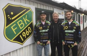 För två och ett halvt år sedan vände Fredrik och Mattias Johansson hem till Frillesås. I vinter ska bröderna spela elitseriebandy på Sjöaremossen. Foto: Frillesås Bandy