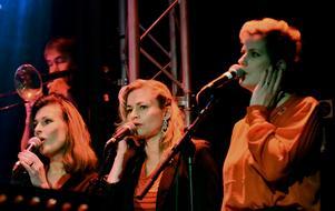 The Cherry Tops består av trion Annacarin Löfgren, Annika Winhagen och Kersti Nilsson. Foto: Åke Dahlbäck.
