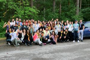 150 ungdomar från olika länder träffas i Södertälje när ungdomsmötet Suryoyo youth global gathering, SYGG hålls här. Bilden visar scouter från olika syrisk-ortodoxa kyrkor på ett scoutläger vid Länklokalen i Kumla juli 2018.