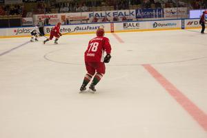 Mikael Simons arrangerade inte bara matchen, han spelade den också.