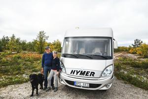 Johan Sjölund är tacksam över all den hjälp och stöttning som mamma Karin och pappa Inge Sjölund har gett längs vägen.