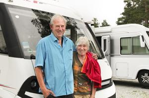 Lars och Renée Johnson från Trosa var på genomresa i Sverige och stannade till i Stocka, precis som förra året.