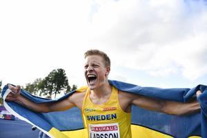 Henrik Larsson tog Sveriges enda guld. Det blev två brons dessutom, genom Wictor Petersson i kula och Simon Sundström på 3 000 m hinder. Bild: Erik Simander/TT