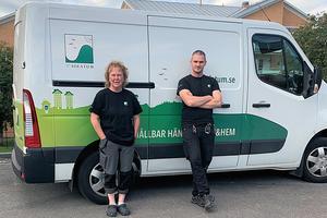 """""""Vi värnar om våra hyresgäster"""", betonar Emil Hansson och Birgitta Näslund, lokalvårdare på Solatum."""