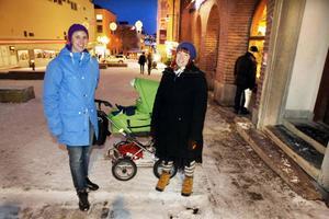 Maria Wåger och Lisa Jakobsson, båda från Östersund:– Ja, vi litar på Jämtkraft. Vi har bara hushållselen att bry oss om, och det är en så liten summa så vi kanske inte bryr oss riktigt om att kontrollera att räkningen stämmer med verkligheten. Vi litar helt på att Jämtkraft inte lurar oss.