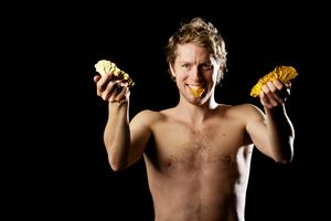 Johan Röjler har tagit 77 individuella SM-medaljer, och är en av blott fyra skrinnare som ställer upp på 5 000, 10 000 meter och i allroundkombinationen vid helgens skridsko-SM i Stockholm.