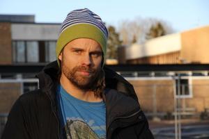 Stefan Ekman är tycker att personalen på Åvestadalskolan redan är alldeles för hårt belastad.