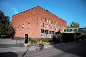 Nästa vecka kommer huvudbiblioteket i Västerås införa söndagsstängt och stänga tidigare på vardagarna.