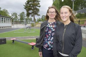 Rektor Riitta Rennerhag och elevrådets ordförande Thea Dewall tror att den nya skolgården kommer att göra stor nytta för aktiviteter under rasterna.