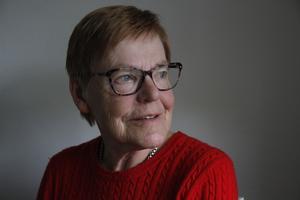 Gun Ljunglöf har varit värdinna på sjukresebussen mellan Hudiksvall och Uppsala i 18 år. Dessutom har hon skött bokningen och schemaläggningen av värdarna de senaste 8 åren.