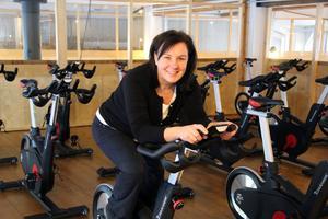 När allt är klart kan Eva Strand få sällskap av ytterligare 20 personer som tränar, i den del där spinningcyklarna är placerade.