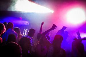 På hemvändardagen hoppas Avestas nattklubbar på fulla dansgolv.