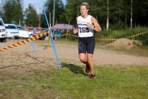 Rutinerade Irene Åslund tog hem segern i damklassen över fem kilometer.