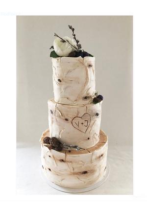 Den här bröllopstårtan transporterades ända upp till Sundsvall.
