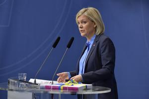 Finansministern presenterar regeringens vårbudget.  Foto: Jessica Gow / TT
