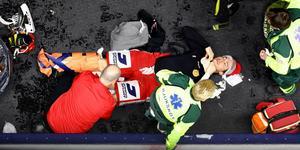 Robin Johansson kolliderade med domare under match – en av lagets många skadedrabbade. Foto: Peter Holgersson/Bildbyrån.