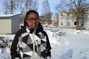 Zakarie Mohamed Osman ligger efter sina skolkamrater i flera skolämnen.