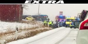 Trafiken stängdes av i båda riktningar under räddningsarbetet i Kundbykurvan.